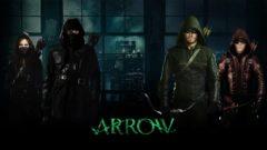 Плакат на Фелисити като Overwatch в сериала Arrow